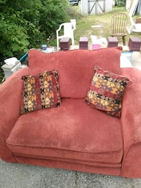 red fabric loveseat with throw pillows Toledo, 43615
