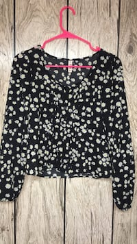 women's black and white floral long-sleeved blouse