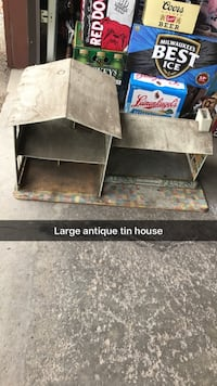 Antique metal house. Large Greenfield, 53220