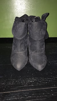 Perfecto Black Swede Booties Manchester, 03104
