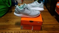 pair of white Nike low-top sneakers with box Huntsville