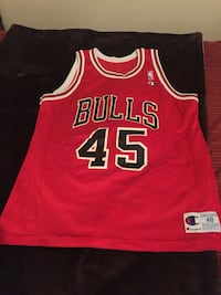 red and white Chicago Bulls 45 MJ Jersey Wilmington, 19805