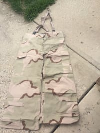 white and green camouflage cargo pants Plainfield, 46168