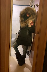 Leather and fur coat null, L2G 6E5