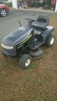 "poulan 16hp 38"" ride on mower Gainesville, 20155"