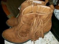 Boots  Canton, 44709