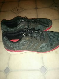 pair of black Adidas running shoes size 8.5