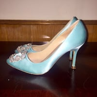 Manolo Bienhlk Satin Aqua Heels Size 6 Long Beach