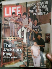 Life magazine jackson five with mom and pop Reading, 19602