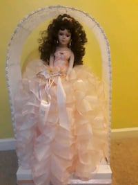 Sweet 16 or 15 doll Concord, 28027