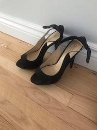 Black pumps with back bow-size 9
