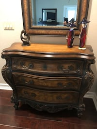 Chest of drawers perfect for entry way Agoura Hills, 91301