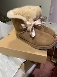 Gita Bow Mini Ugg