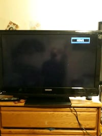 37 inc magnavox tv w built in DVD player