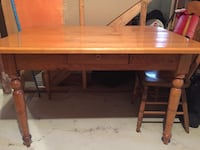 Antique table and four chairs Bowmanville, L1C 4Z5
