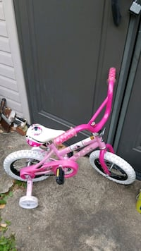 Huffy Minnie Mouse Girls Bike with training wheels