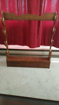 Antique gun rack with Skeleton Key breed info Winnipeg, R3C