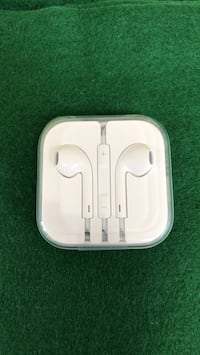 Apple earpods with case and box Bethesda, 20817