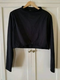 Black long sleeved plus sized crop top Long Beach, 90802