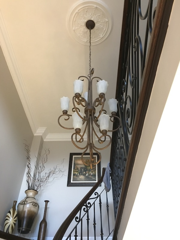 Iron rod chandalier 93f58be7-35f2-4765-a384-51c5e631330e
