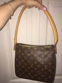 AUTHENTIC Louis Vuitton Looping MM monogram bag Montreal