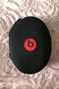Beats headphone bag