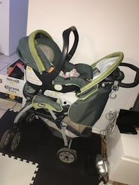 baby's black and green travel system Montréal, H3S 1M9