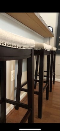 Black wooden side table with white wooden base Leesburg, 20176