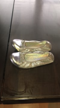 pair of silver-colored leather flats Lorton, 22079