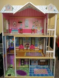 Doll house Washington, 20020