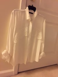 white and black long-sleeved shirt Fairfax, 22030