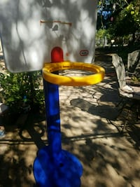 Little tikes basketball hoop  Vista, 92084
