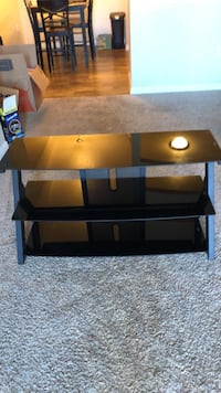 Tv stand/ entertainment center Meridian, 83646