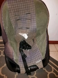 baby's green and black car seat carrier Allentown, 18102