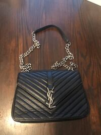 Super cute purse with chain handle Calgary, T3J 0B3