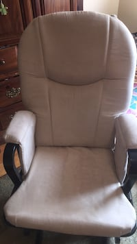 brown fabric padded rolling armchair Riverdale Park, 20737