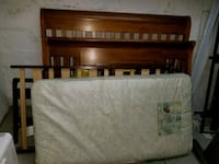 Crib with toddler bed. good condition