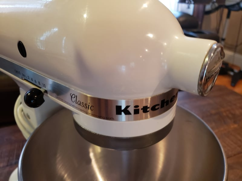 VERY CLEAN Kitchenaid 250 classic all accessories  aad76d0d-50e6-42d3-a346-47da5967b817