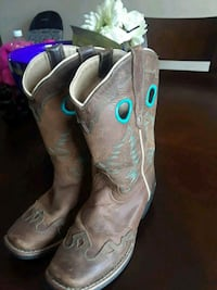 Girls size 2 Smoky mountain boots