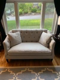 Loveseat Tufted with Down Seat Framingham, 01701