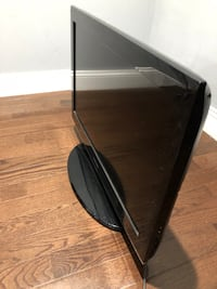 """38"""" Samsung tv with remote control for only $75.  Hyattsville, 20782"""