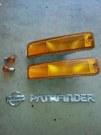Front turn signals from 1998 Nissan Pathfinder Waipahu