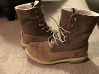 Pair of brown timberland work boots Calgary, T3G 4Z4