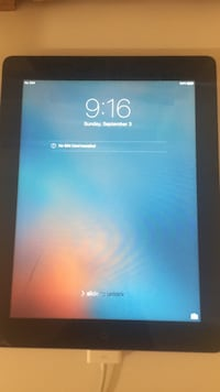Black ipad 3129 km