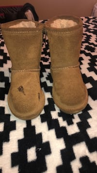 Bear claw brown boots