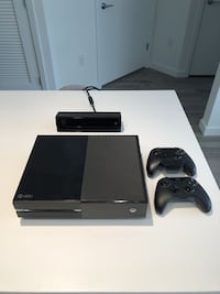 Xbox One w/ Kinect and One Controller