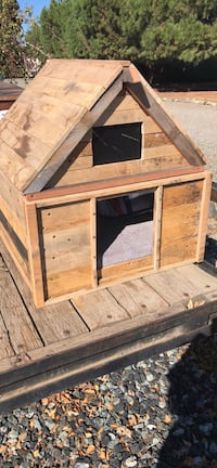 Small dog house made our of reclaimed wood  Modesto, 95355