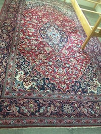 Beautiful hand knitted Persian rug. Port Coquitlam, V3B 2E8