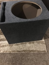 gray and black subwoofer enclosure Rome, 13440