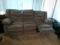 Couch/ recliner  Hortonville, 54944
